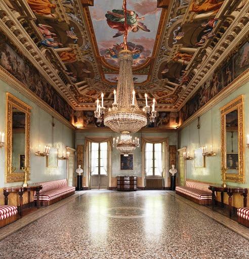Palazzo Moroni Bergamo