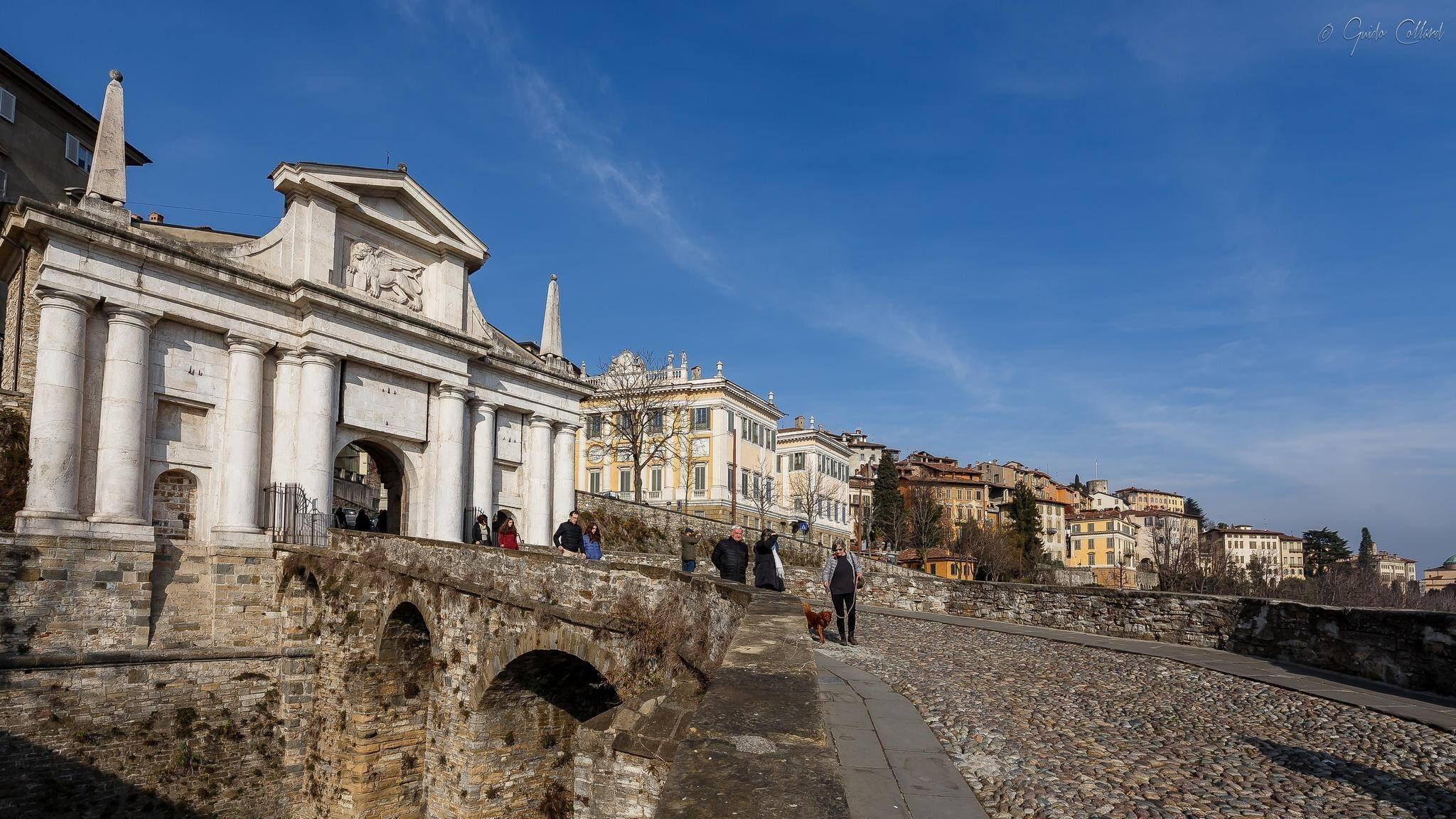 Porta San Giacomo Città Alta Bergamo